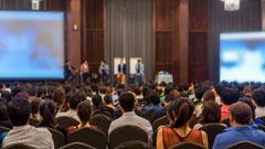Auditorium Veranstaltung shutterstock 536617741 zuschnitt